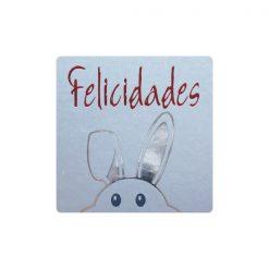 Felicidades pegatina conejo en plata asomando